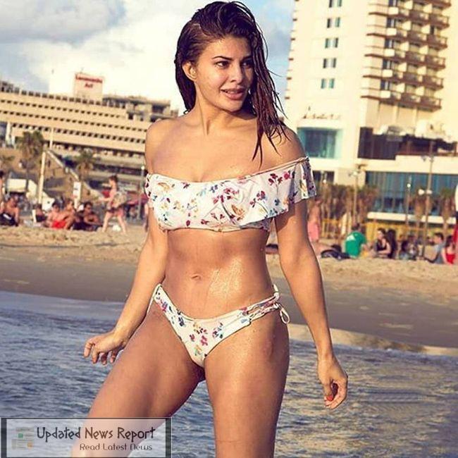 Jacqueline Fernandez Beach Pictures 1